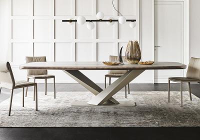 Обеденный стол Stratos